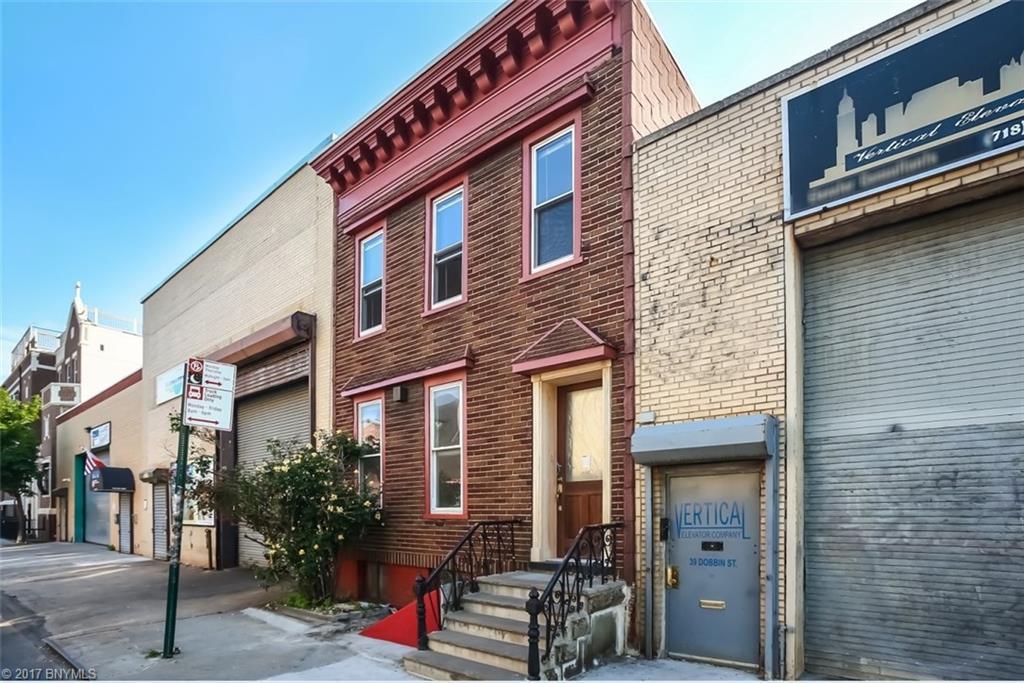 37 1/2 Dobbin Street Greenpoint Brooklyn NY 11222