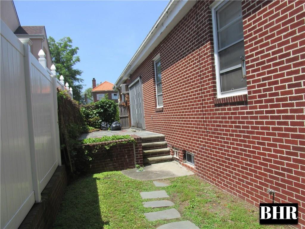 155 Girard Street Manhattan Beach Brooklyn NY 11235