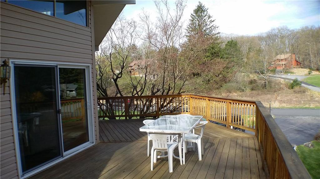 108 Fairway Bay Out of NYC Hawley PA 18428