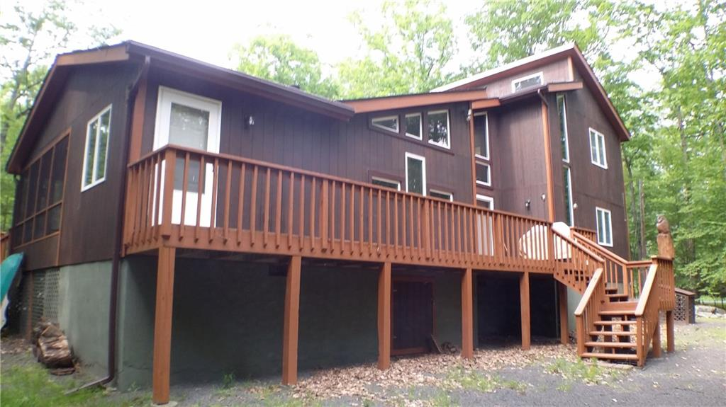 101 Ledgeway Lane Out of NYC Lords Valley PA 18428