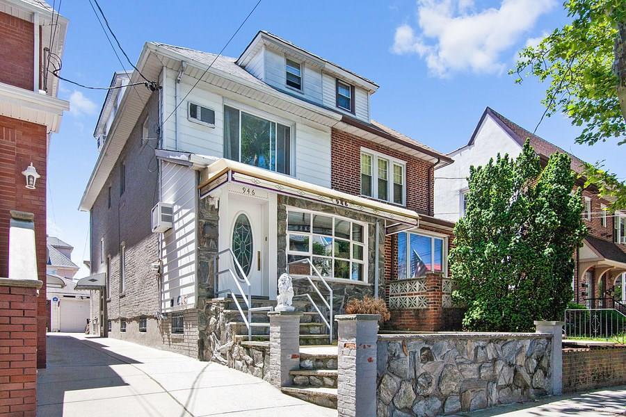 946 78 Street Dyker Heights Brooklyn NY 11228