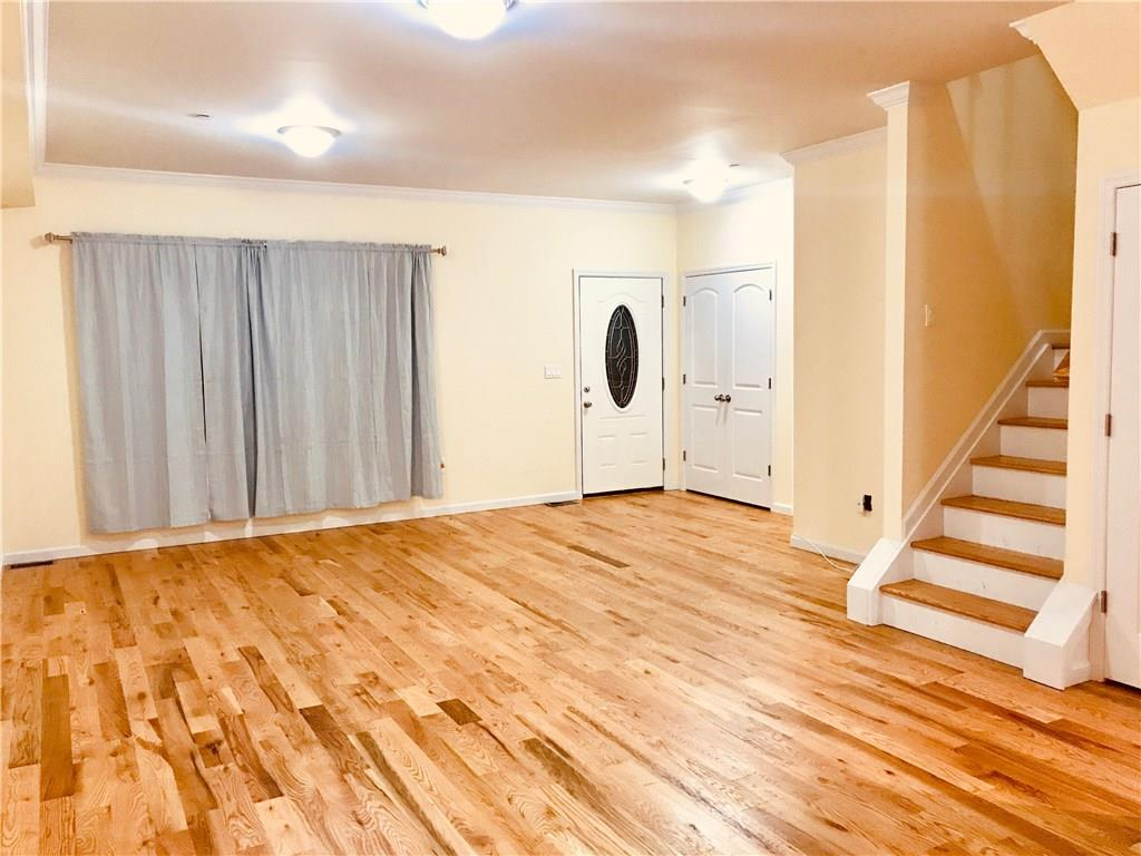 22 Fletcher Street Rosebank Staten  Island NY 10305