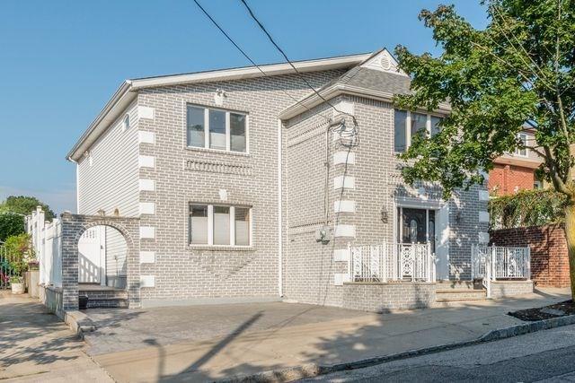 40 Austin Avenue Arrochar Staten  Island NY 10305