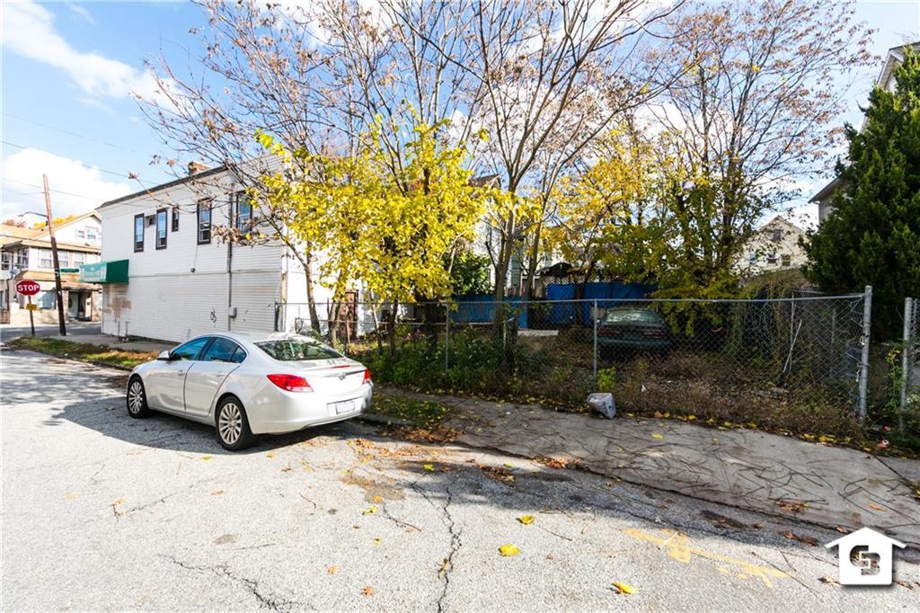 1636 Castleton Avenue  Staten  Island NY 10302