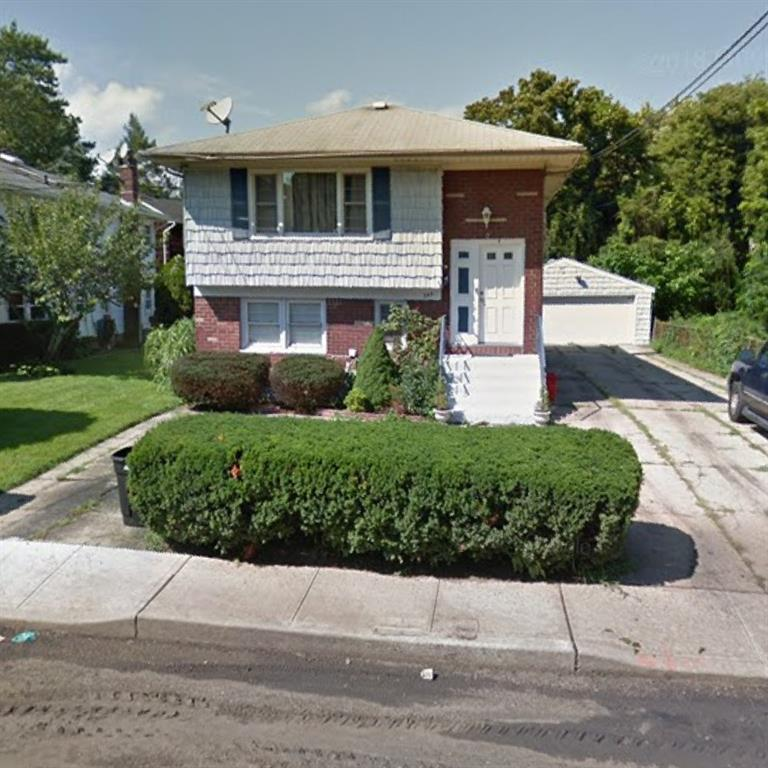 344 Johnson Lane Out of NYC West Hempstead NY 11552