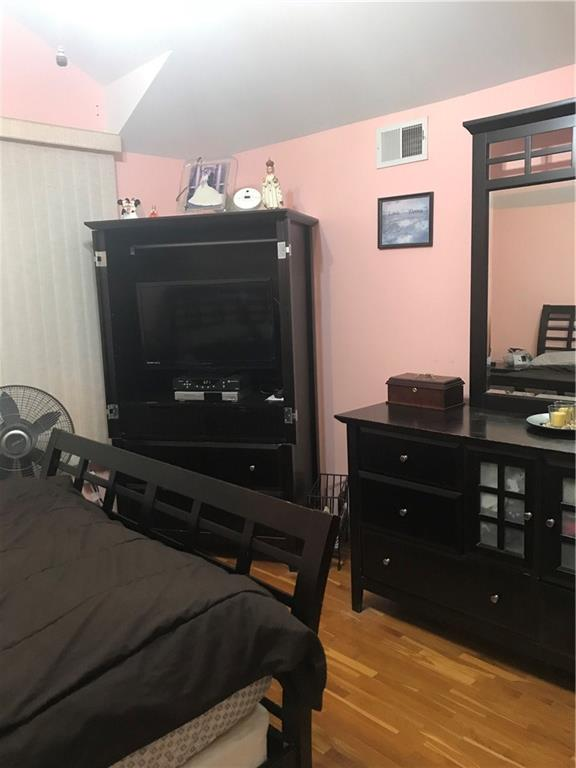 430 Stoneham Street Oakwood Staten  Island NY 10306