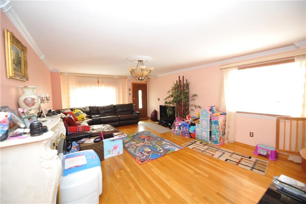 117 Raritan Avenue  Brooklyn NY 10304