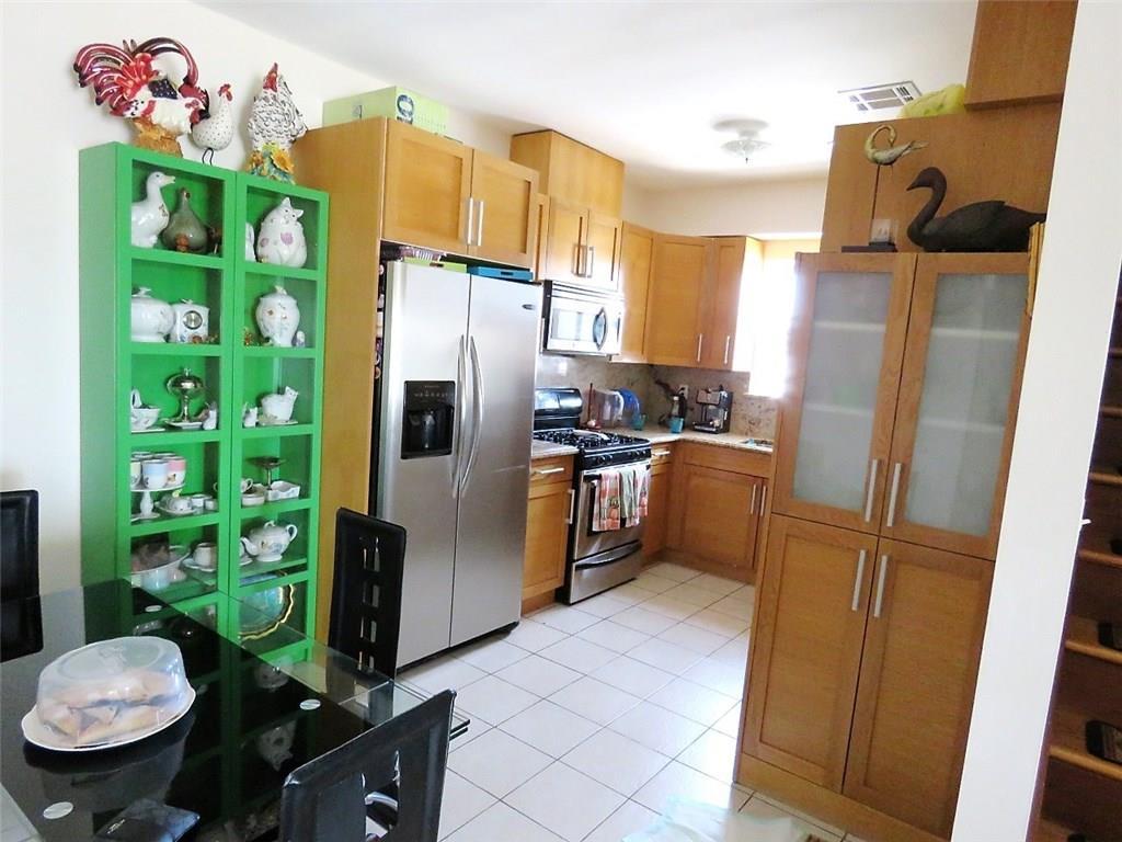 1663 West 6 Street Gravesend Brooklyn NY 11223
