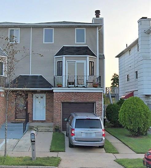 652 Travis Avenue Heartland Village Staten  Island NY 10314