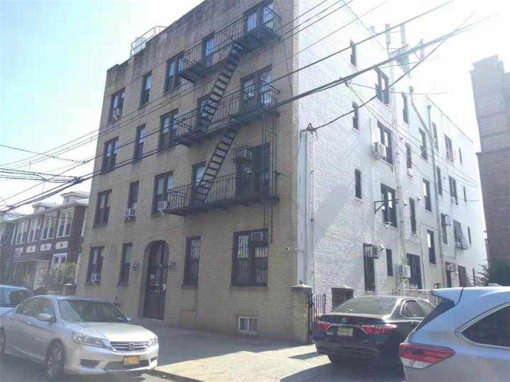 946 59 Street Sunset Park Brooklyn NY 11220