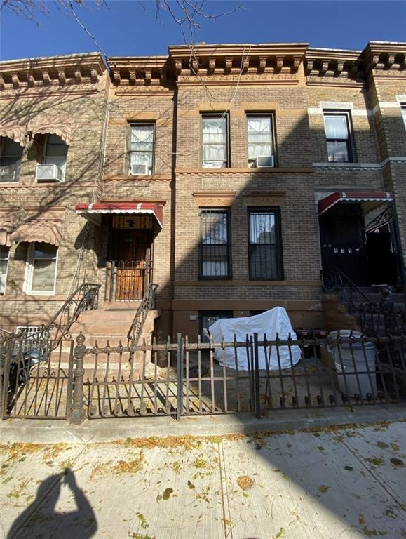 569 46 Street Sunset Park Brooklyn NY 11220