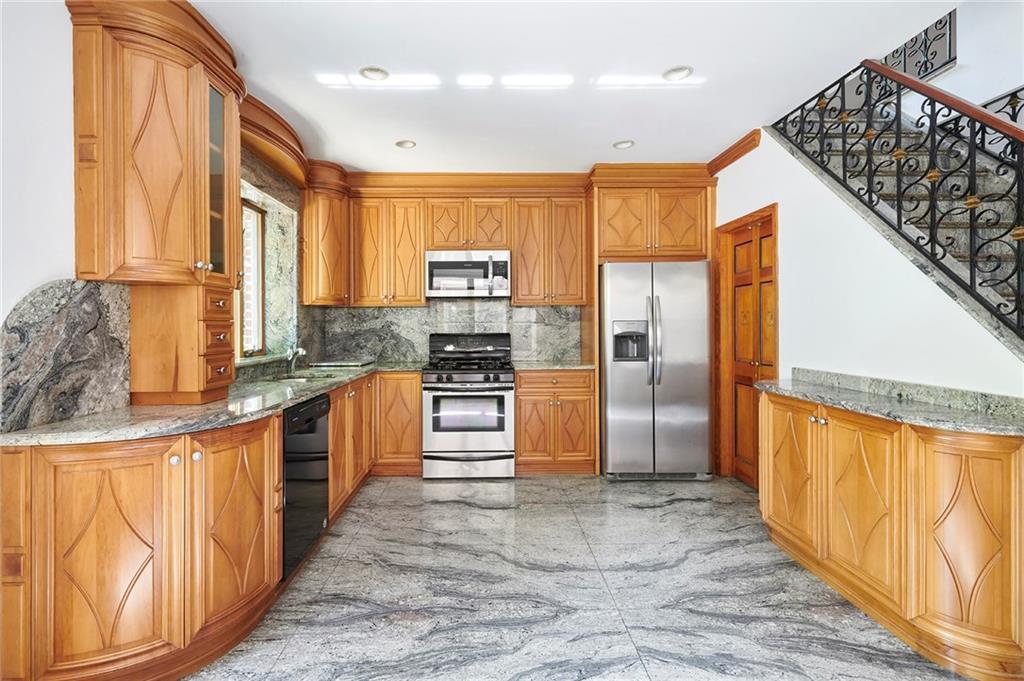 34 88 Street Bay Ridge Brooklyn NY 11209