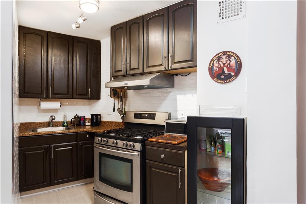 207 Ocean Parkway Kensington Brooklyn NY 11218