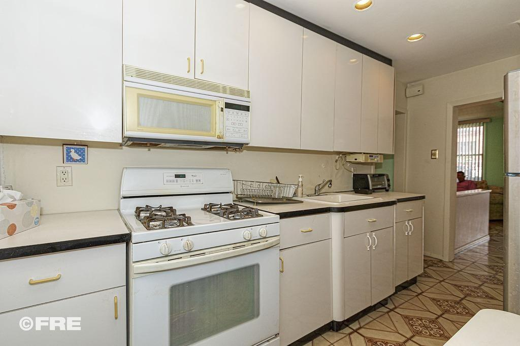 2655 East 27 Street Sheepshead Bay Brooklyn NY 11235