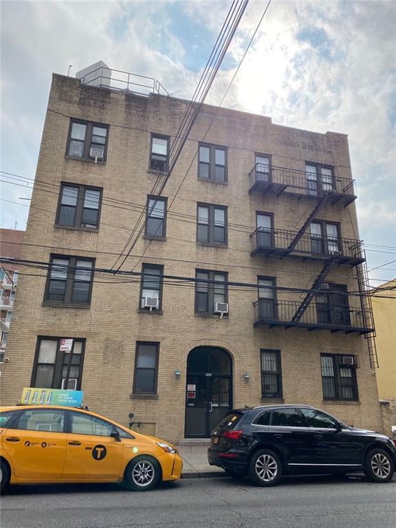 946 59 Street Sunset Park Brooklyn NY 11219
