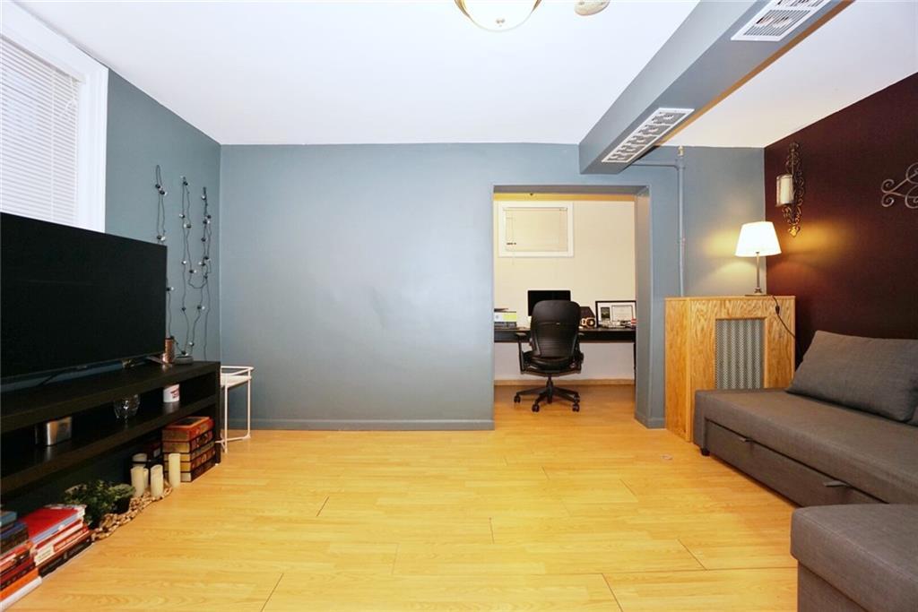 130R West End Avenue Manhattan Beach Brooklyn NY 11235