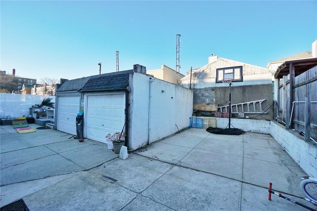 2522 East 1 Street Gravesend Brooklyn NY 11223