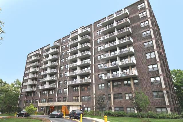 1100 Clove Road Staten Island NY 10301