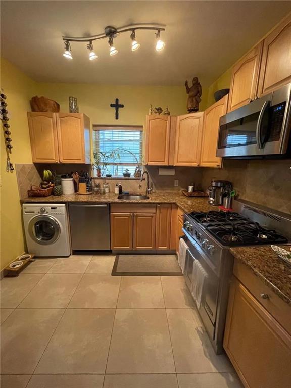 98 Robin Road Arrochar Staten Island NY 10305